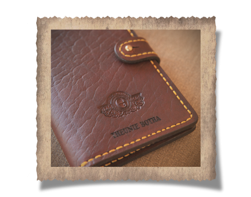 The Elliot 8 License Card Holder